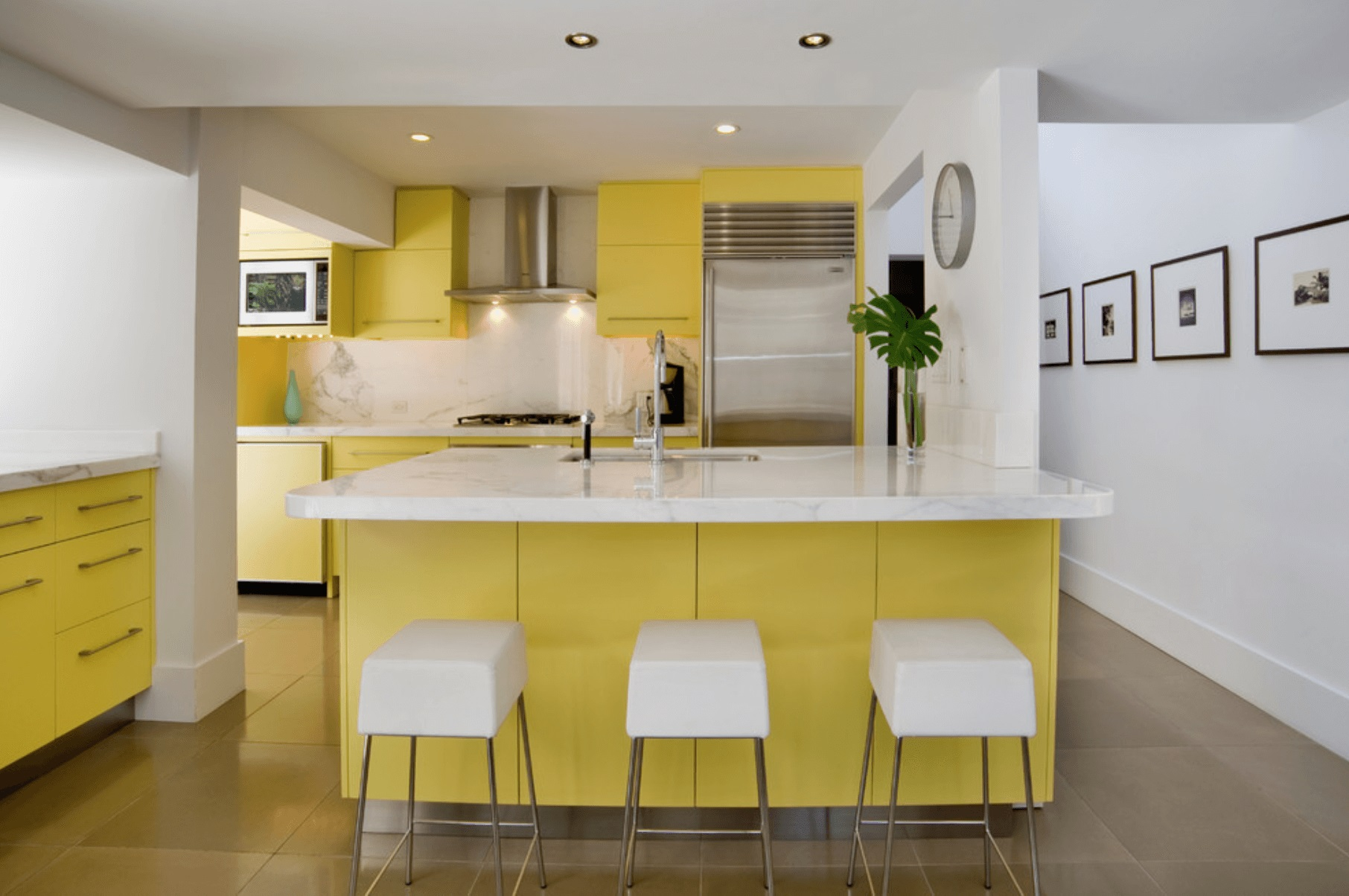 Elegant glass colourful mozaic design for modern kitchen