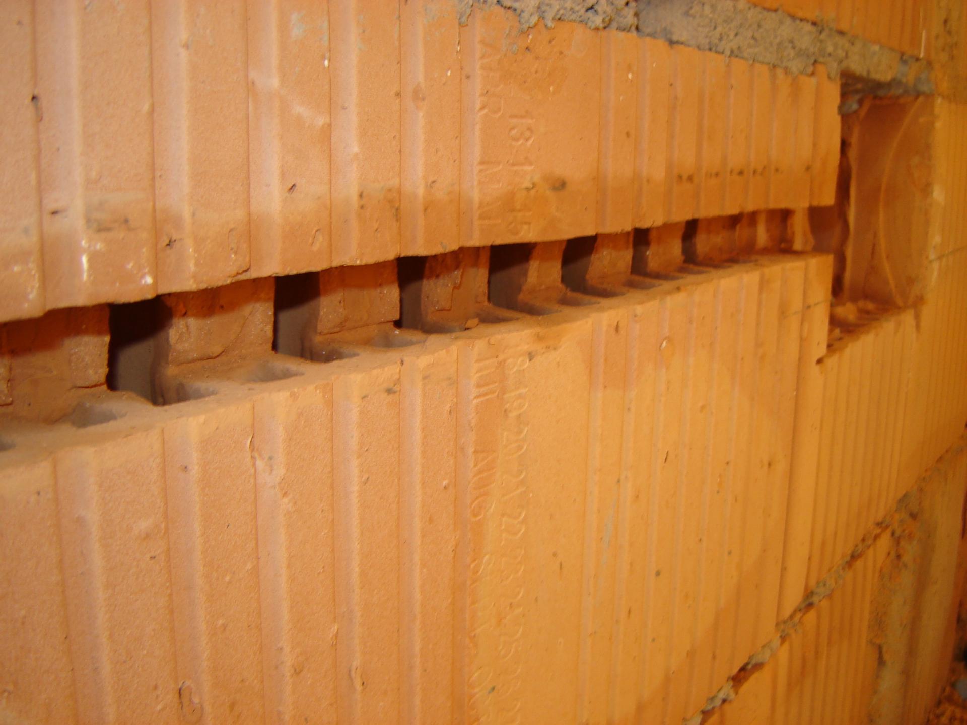 canal instalatii electrice caramida