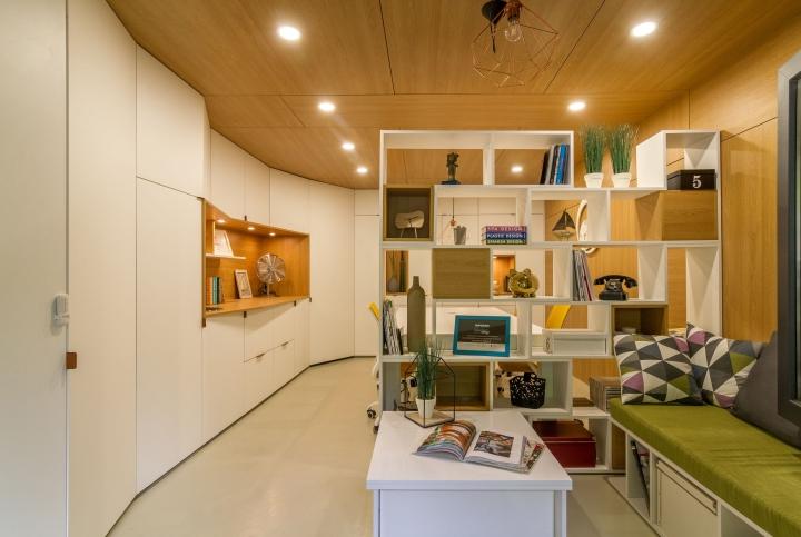 Transformare spectaculoasă în Bucureşti: din garaj în birou