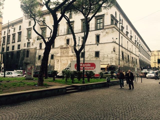 cladirea politiei din Napoli