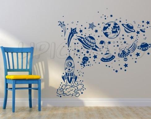 Decorează pereţii cu stickere