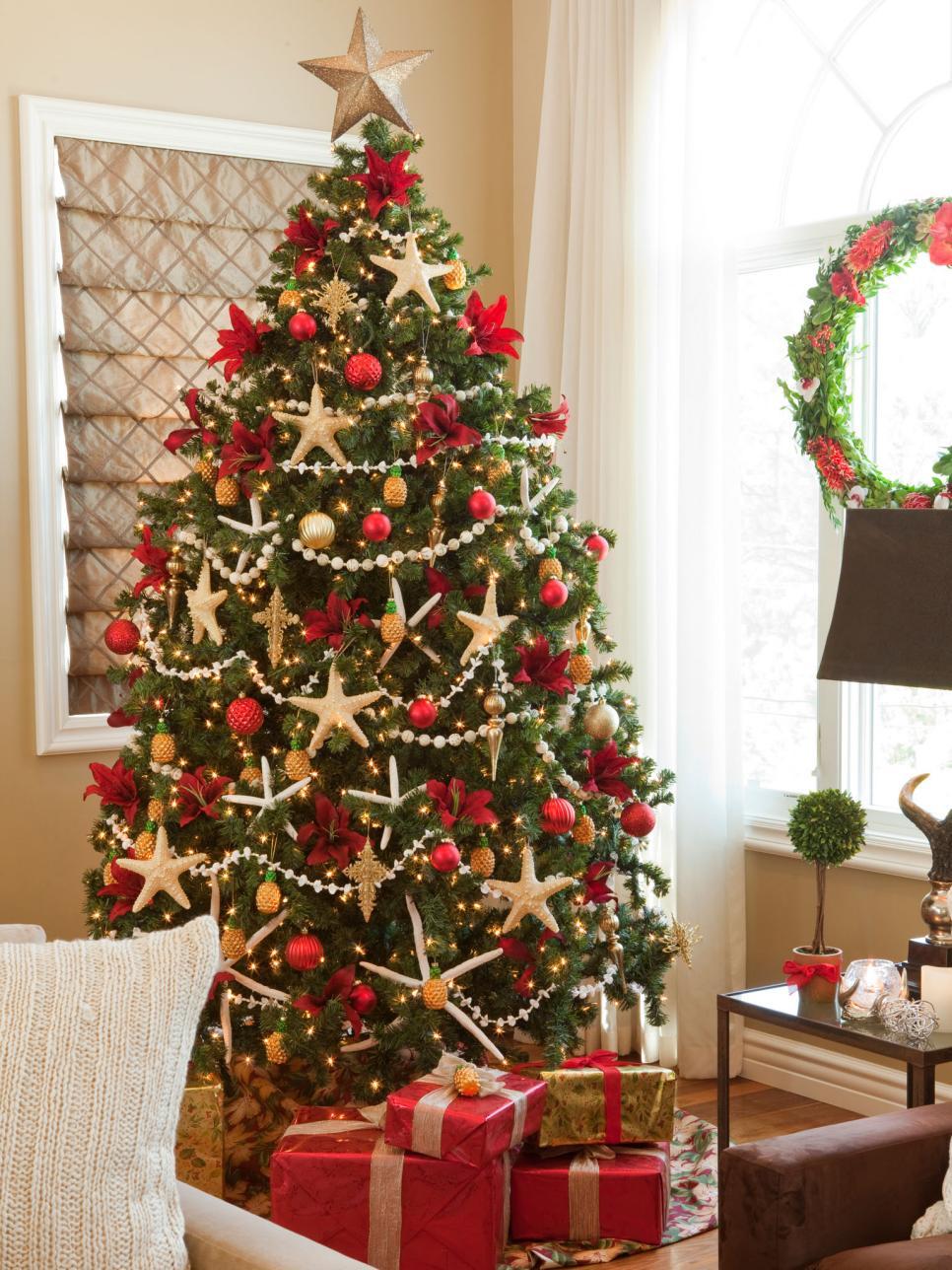 Idei pentru bradul de Crăciun pe care să le încerci anul acesta
