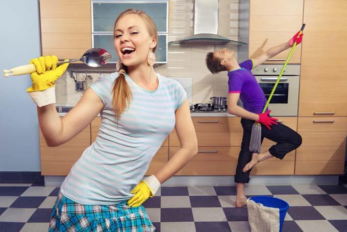 Nouă trucuri pentru o curăţenie rapidă după sărbători