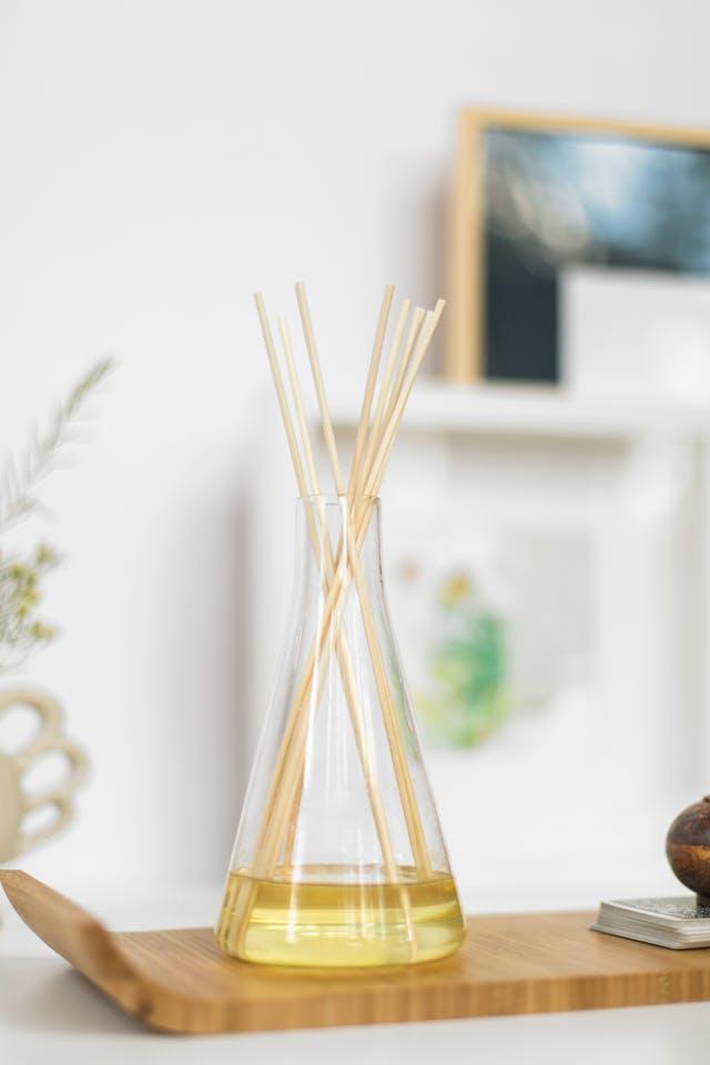 Economiseşte bani: cum să faci un difuzor de parfum pentru cameră