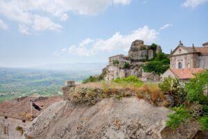 Madonna della Catena şi Lauria Castle