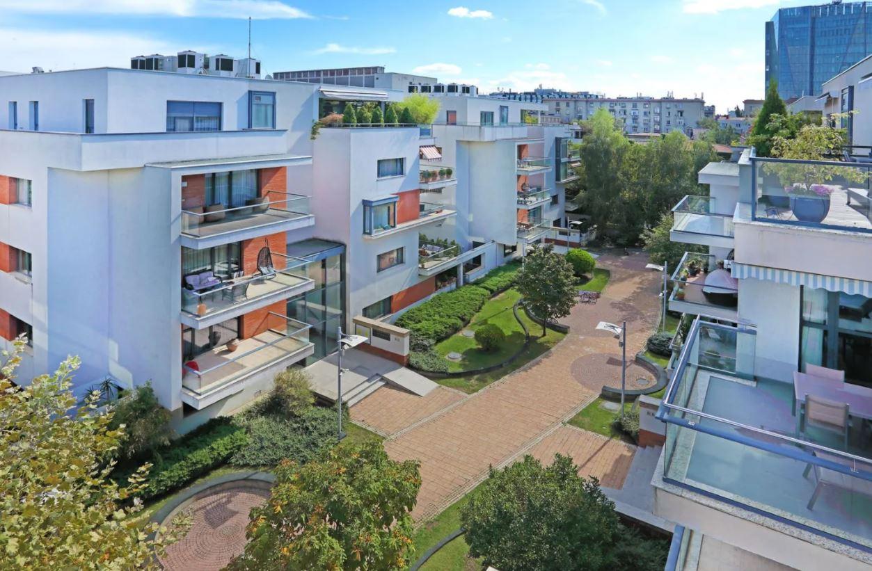 Bloc cu penthouse, Dorbanti